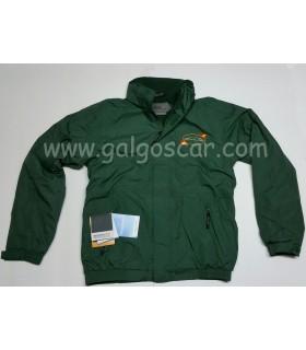 Cazadora verde caballero, bordado escudo galgo español. Impermeable con forro polar interior