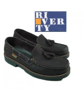 Zapato naútico mocasin borlas. Linea apache