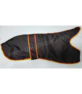 Manta abrigo para galgo, impermeable,marron chocolate con  ribetes españa. Talla L