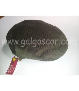 Gorra campera de pana color verde. Tallas desde la 55 hasta la 60.